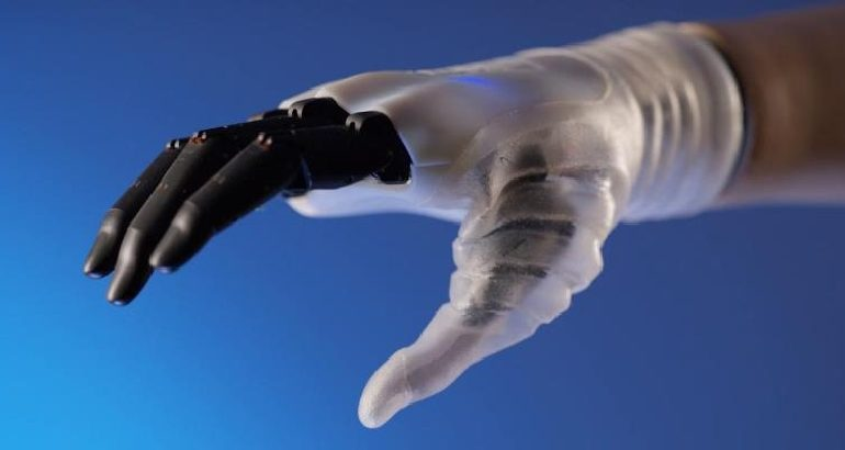 arriva-hannes-mano-bionica-quasi-naturale-410.jpg